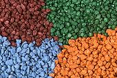 Colored aquarium gravel
