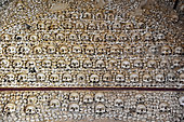 Skulls of the Carmelite Chapel, Carmelite Church of Faro (XVIII): Walls and ceiling entirely built with skulls and bones (femurs) human, about 1200 skeletons of monks, Algarve, Portugal