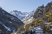 The ridges of Fort Carra (2880 m) and Pointe Côte de l'Ane (2916 m), Saint-Dalmas-le-Selvage, Tinée valley, Mercantour National Park, Alpes-Maritimes, France
