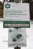 Protected Area signs, biotope stop, Stay on the trails, GR 5 trail, winter, summit (1424m) of the Grand Ballon, Hautes-Vosges, Haut-Rhin, France