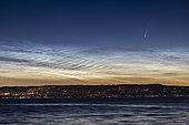 Comet NEOWISE and noctulescent mesospheric polar clouds over Lausanne, Switzerland and Lake Geneva at the end of the night on 08 July 2020