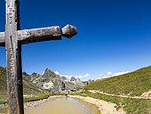 Vallée étroite pass (border between Savoie - Auvergne-Rhône-Alpes and Hautes-Alpes - PACA), GR5 trail, Alps, France