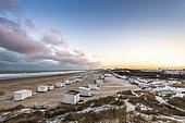 Les chalets de Blériot-plage en hiver, Côte d'opale, Hauts de France, France