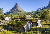 Traditional houses, Renndølsetra, Innerdalen High Valley, Innerdalstårnet Mountain, Trollheimen Mountain Area, Sunndal, Møre og Romsdal, Vestlandet, Norway, Europe
