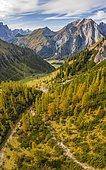 Alpine panorama in autumn, larches, mountains and mountain valleys, view of the Großer Ahornboden, Eng, Hinterriß municipality, Karwendel mountains, Karwendel Alpine Park, Tyrol, Austria, Europe