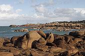 Rochers de granit rose de la presqu'île Renote à Trégastel, Côtes-d'Armor, Bretagne, France