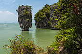"""James Bond Island, featured in the movie """"The Man with the Golden Gun"""", Phang Nga bay, Thailand"""