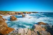 Rocky shore of Port Goulom, Saint-Pierre-Quiberon, Côte sauvage de Quiberon, Brittany, France