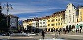 Historical centre, piazza dei Martiri, square. Italie, Vénétie, Belluno, SIM710669