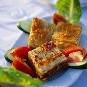 Plate of Mousaka, Sissifos Restaurant. Grèce, Grèce Centrale et Eubée, Athènes, Attique, SIM711678