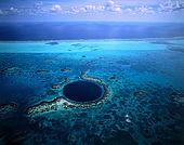 IN*Bélize, vue aérienne ile de Lighthouse Reef