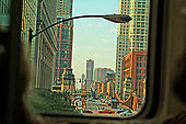 A views about the metros world. moviments and isolation are the key  to read this places-Chicago