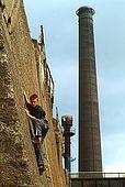 Duisburg, Landschaftspark, free climbing