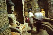 Arakan, Mrauk U, Anndawthein temple