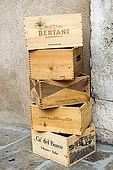Empty boxes outside La Bottiglieria wine shop, Bassano del Grappa, Veneto, Italy. tel: 0424 523993