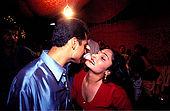 Pakistan - Hijra, les demi-femmes du Pakistan - Saima environ 24 ans, Hijra naturel 'Une fois j'étais amoureuse d'un homme, nous étions trop amoureux et quand il a appris que j'étais Hijra, il en a épousé une autre. Il a déchiré mon cÏur, maintenant je ne