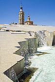 Fountain, Torreon de La Zuda and church of San Juan de los Panetes, Plaza del Pilar, Zaragoza, Saragossa, Aragon, Spain