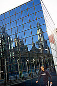 Reflection of the Basilica del Pilar, Plaza del Pilar, Zaragoza, Saragossa, Aragon, Spain