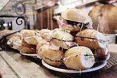 Italia,Venezia - locale tipico Cantina vecia Carbonera - Cannaregio, 2329 - Campo della Maddalena -Tel. 041 710376 panini con spek e rucola