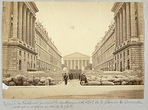 Roger-Viollet | 16996 | The Madeleine church during the Paris Commune (1871), view from the Concorde | © Auguste Hippolyte Collard / Musée Carnavalet / Roger-Viollet