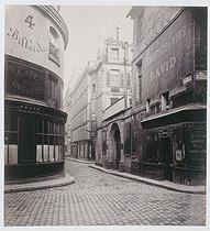 Roger-Viollet | 19158 | RUE HAUTEFEUILLE | © Charles Marville / Musée Carnavalet / Roger-Viollet