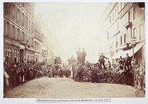 Roger-Viollet | 72187 | Paris Commune (1871). Barricade in the rue de Flandres | © Musée Carnavalet / Roger-Viollet