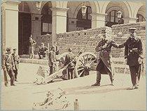 Roger-Viollet | 79416 | Paris Commune (1871). Barricade, rue Castiglione | © Bruno Braquehais / Musée Carnavalet / Roger-Viollet