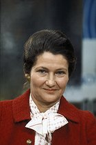 Roger-Viollet | 155175 | Simone Veil (1927-2017), French politician and Minister for Health. France, 1975. | © Jean-Pierre Couderc / Roger-Viollet