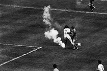 Roger-Viollet | 157677 | Jet of smoke during the final of the French soccer cup between Bastia and Marseilles. Paris, Parc des Princes, on June 6, 1972. | © Jean-Pierre Couderc / Roger-Viollet