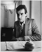 Roger-Viollet | 164062 | Martin Amis (born in 1949), British writer, July 1987. | © Bruno de Monès / Roger-Viollet