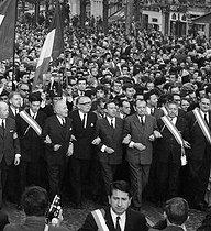 Roger-Viollet | 164292 | Events of May-June 1968. Demonstration on the Champs-Elysées organized by the  Les Comités de Défense de la République  (Committees for the Defence of the Republic): M. Poniatowski, P. Poujade, R. Boulin, M. Schumann, M. Debré, A. Malraux, P. Lefranc and François-Marie Banier. Paris, on May 30, 1968. | © LAPI / Roger-Viollet
