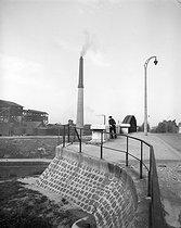 Roger-Viollet   164360   Pont du Landy on the Saint-Denis canal. Aubervilliers (France), 1945. Photograph by René Giton known as René-Jacques (1908-2003). Bibliothèque historique de la Ville de Paris.   © René-Jacques / BHVP / Roger-Viollet