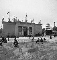 Roger-Viollet | 166486 | 1889 World Fair in Paris. Building of the Suez Canal. | © Léon & Lévy / Roger-Viollet