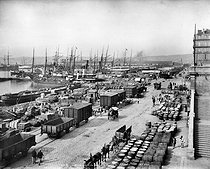 Roger-Viollet | 166940 | The Joliette quay and dock. Marseilles (France), circa 1900. | © Neurdein / Roger-Viollet