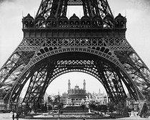 Roger-Viollet   172502   Champs de Mars, Tour-Eiffel et Trocadero, exposition 1900.   © Léopold Mercier / Roger-Viollet