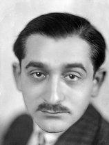 Roger-Viollet | 175733 | Pierre Mendès France (1907-1982), French politician. France, around 1950. | © Henri Martinie / Roger-Viollet