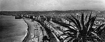 Roger-Viollet | 176837 | The Promenade des Anglais. Nice (France), circa 1920-1925. | © Neurdein / Roger-Viollet