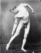 Roger-Viollet   180982   Study of a nude. France, around 1900.   © Léopold Mercier / Roger-Viollet