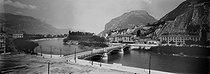 Roger-Viollet | 188277 | Grenoble (Isère). Bridge on the Isère. Around 1900. | © Léon & Lévy / Roger-Viollet