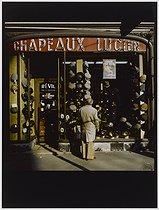 Roger-Viollet | 192910 |  Lucien , hatter, 80 boulevard Barbès. Paris (XVIIIth arrondissement), 1981. Photograph by Felipe Ferré. Paris, musée Carnavalet. | © Felipe Ferré / Musée Carnavalet / Roger-Viollet