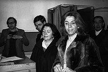 Roger-Viollet | 199909 | Gisèle Halimi (1927-2020), Tunisian-born French lawyer, feminist activist and politician, voting for the legislative elections. France, on March 12, 1978. | © Roger-Viollet / Roger-Viollet