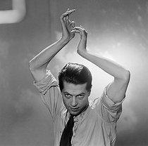 Roger-Viollet | 202947 | Serge Lifar (1905-1986), danseur et chorégraphe français d'origine russe. Paris, février 1949. | © Boris Lipnitzki / Roger-Viollet