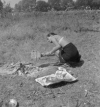 Roger-Viollet | 203402 | Camping and Culture association | © Marcel Cerf / BHVP / Roger-Viollet