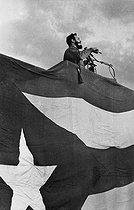 Roger-Viollet   204952   Fidel Castro (1926-2016), Cuban revolutionary and statesman, making a speech. Cuba, circa 1960.   © Gilberto Ante / Roger-Viollet