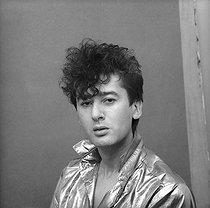 Roger-Viollet | 212263 | Alain Bashung (1947-2009), French singer-songwriter. France, 1982. | © Patrick Ullmann / Roger-Viollet