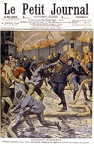 Roger-Viollet | 214679 | During the fire of a factory, apaches attack the policemen and burst the pump pipes.  Le Petit Journal , may 26, 1907. | © Roger-Viollet / Roger-Viollet