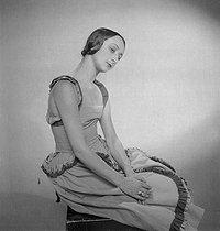 Roger-Viollet | 217601 | Nathalie Branitzka (1905-1977), danseuse russe. Paris, juin 1933. | © Boris Lipnitzki / Roger-Viollet