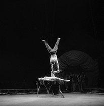 Roger-Viollet | 218407 | Cirque de Moscou. Avril 1956. | © Studio Lipnitzki / Roger-Viollet