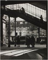 Roger-Viollet   230297   The Glacière metro station, 143 boulevard Auguste-Blanqui. Paris (XIIIth arrondissement), 1955-1959. Photograph by Edith Gérin (1910-1997). Bibliothèque historique de la Ville de Paris.   © Edith Gérin / BHVP / Roger-Viollet