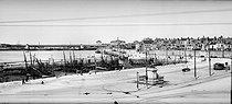 Roger-Viollet | 237594 | Calais (Pas-de-Calais). General view of the port, about 1910. | © Léon & Lévy / Roger-Viollet